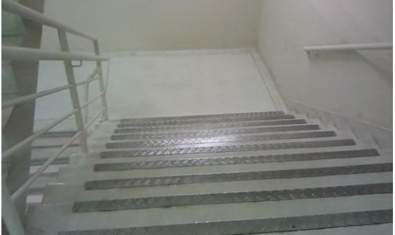 Escada Shopping Ptio Central 2