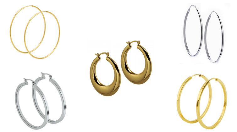 montagem de argolas douradas e prateadas