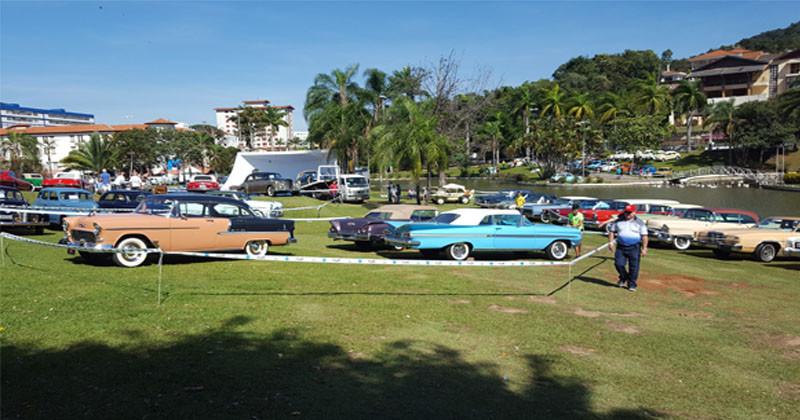 montagem de carros antigos lindoia