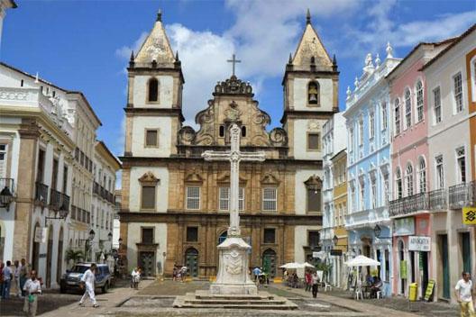 montagem da igreja de são francisco de assis 2